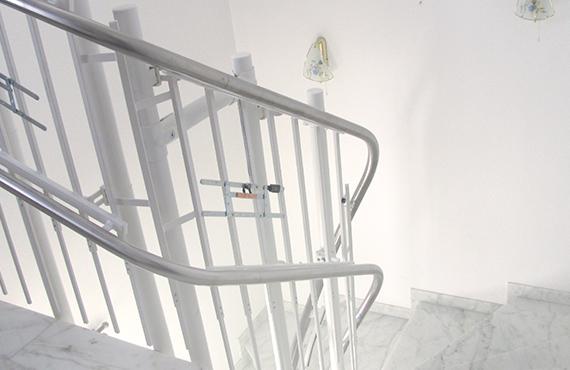 Treppenlift mit innovativem Antrieb