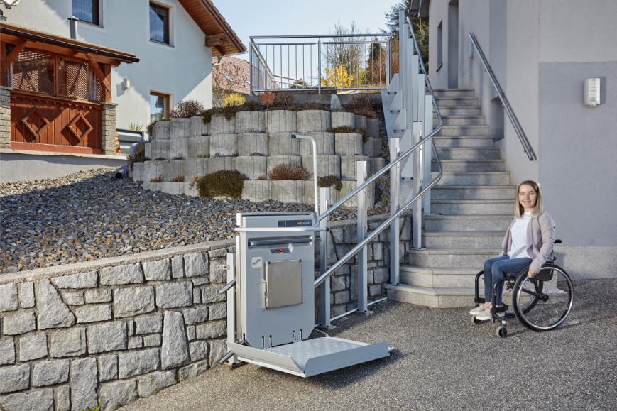 Wetterbeständiger Plattformlift für den Außenbetrieb
